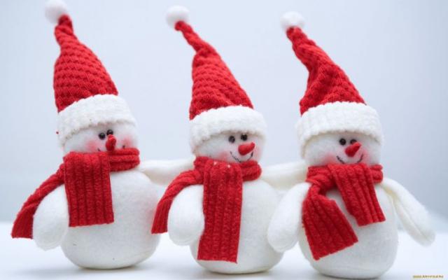 Обои на рабочий стол : Снеговики