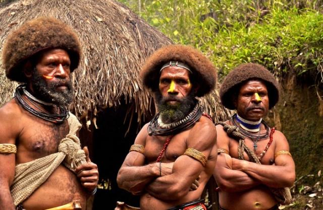 Папуасы Новой Гвинеи. | Фото: mignews.com.ua.