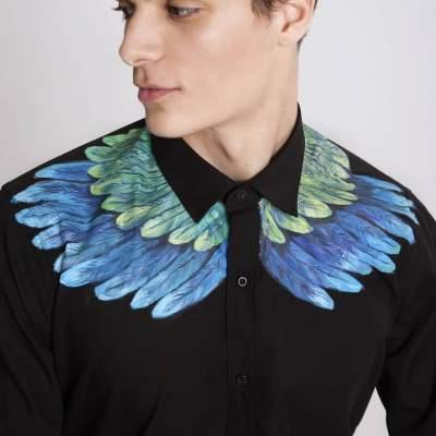 Художница превращает обычную одежду в шедевры. Фото