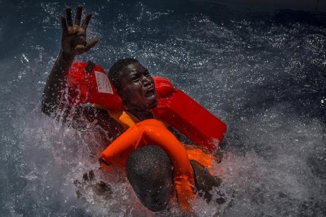 Переплыть Средиземное море