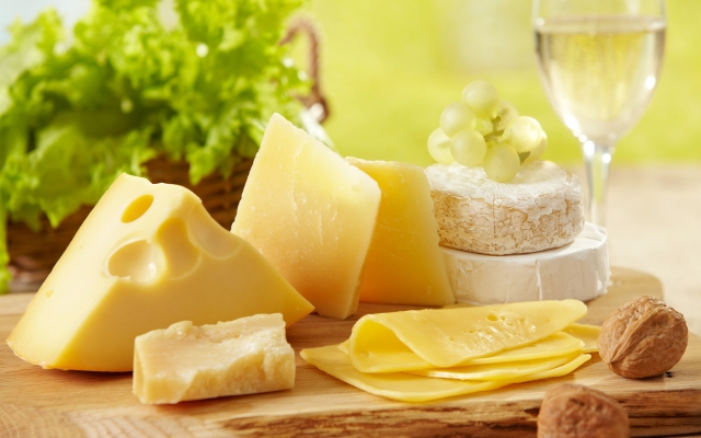 The Truth Behind Having Cheese On A Diet - ParaFit