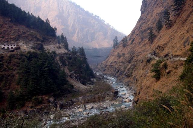 Каньон Кали Гандаки Непал. Вниз не смотреть. Самые глубокие каньоны планеты. Фото с сайта NewPix.ru