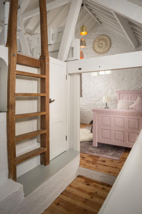 Фото: Потрясающий дом на месте старой часовни у моря в Англии (Фото)