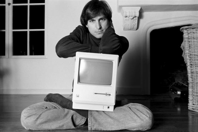 Стив Джобс - один их отцов-основателей IT.