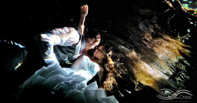 Фотограф из Мексики устраивает подводные фотосессии влюбленных - фото 268885